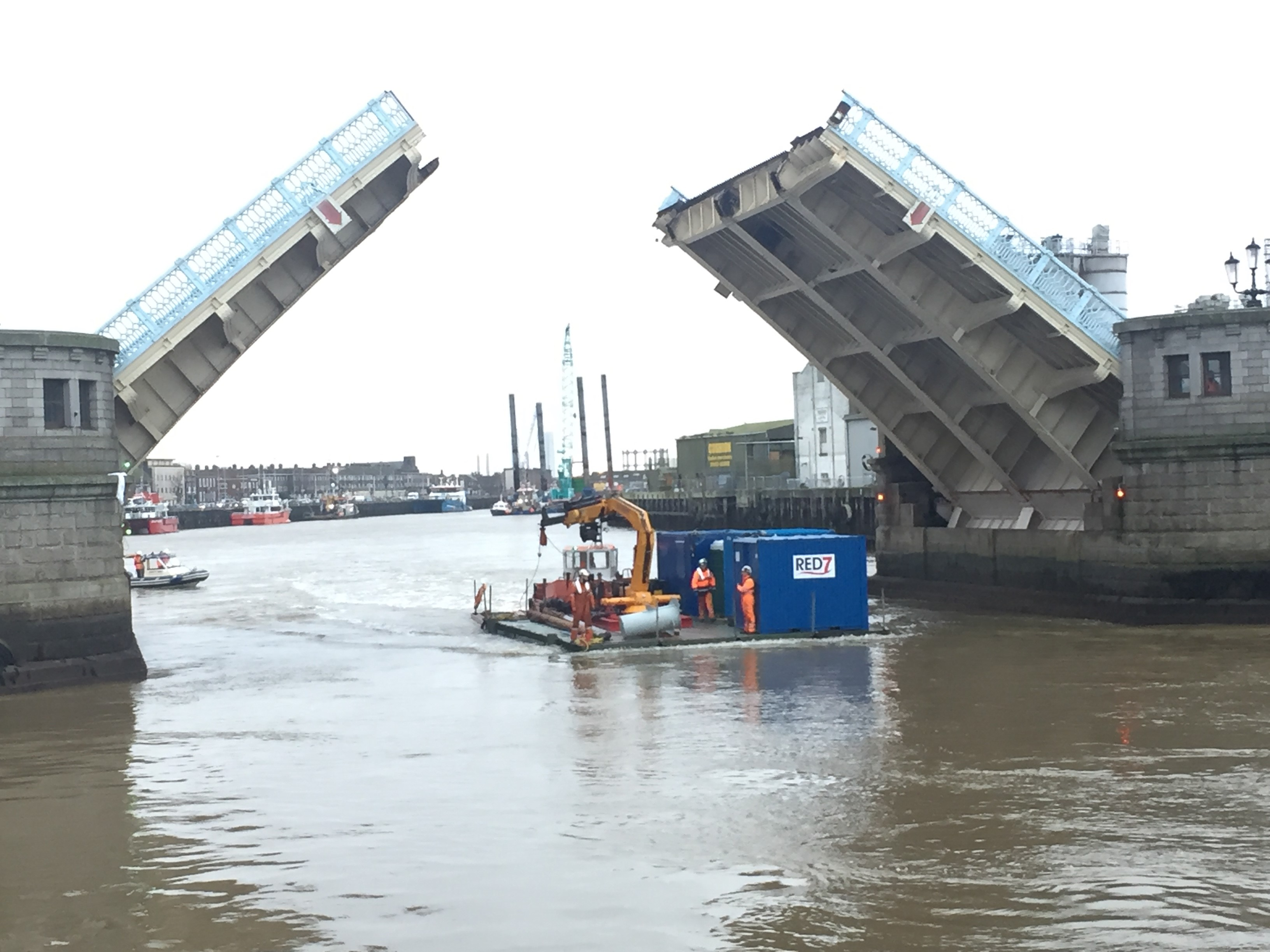 Red 7's Pontoon being moved from The River Yare to The River Bure to being work.